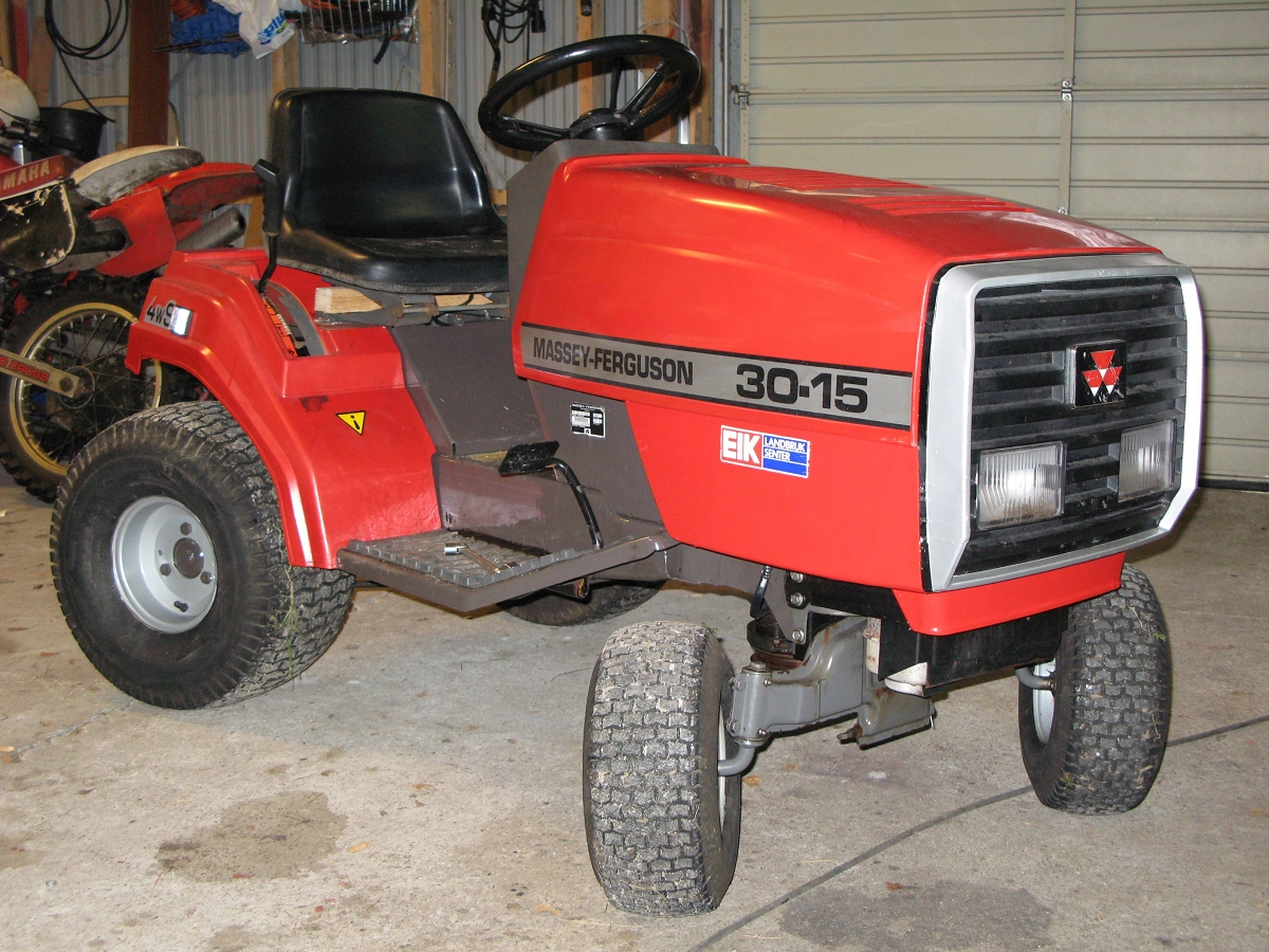 Massey Ferguson Yard Tractors : Mf